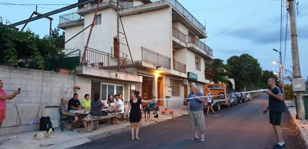 Ремонтират канал и улици в село Константиново