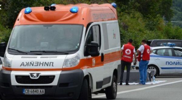 Снимка: Млад мъж блъсна и уби пешеходец в близост до пешеходна пътека край училище