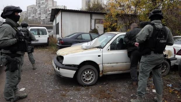 Снимка: Подробности за голямата акция във Варна и още два града, вижте престъпния ценоразпис!