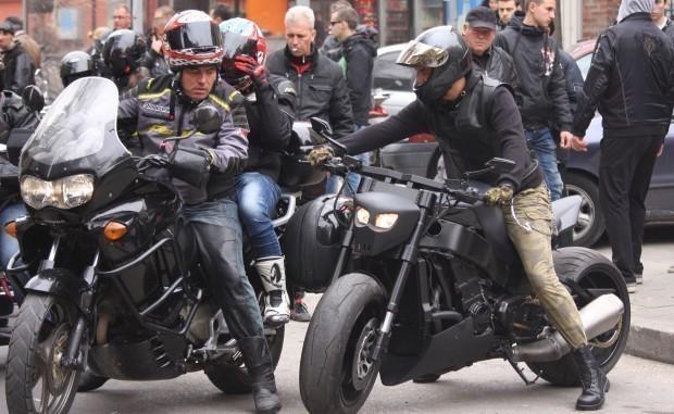 Илюстрациязверската катастрофа край Слънчево 58-мотоциклетист, научи Varna24.bg.Апел за толерантност по
