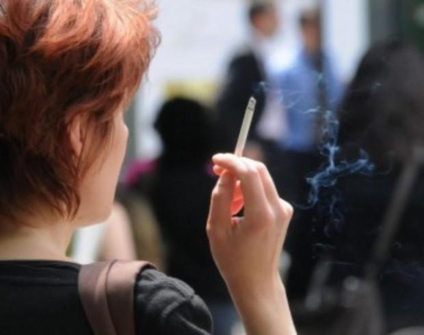 Глобите за пушене в Гърция стигат до 10 000 евро,