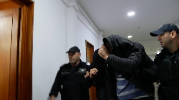 След минути Бургаският окръжен съд ще гледа мярката за неотклонение